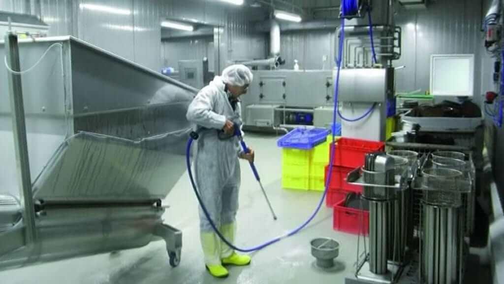 Моющие средствами для пищевой промышленности Efir - качественная, экономная, технологичная мойка молочных цехов