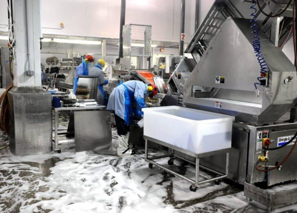 Щелочные моющие средства - состав, применение на пищевых производствах
